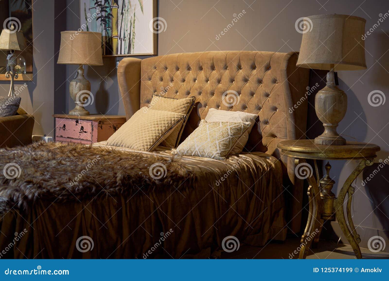 Sala de hotel luxuosa e rica Interior ideal barroco glamoroso, elegante do projeto do quarto Brown, cor bege, ninguém