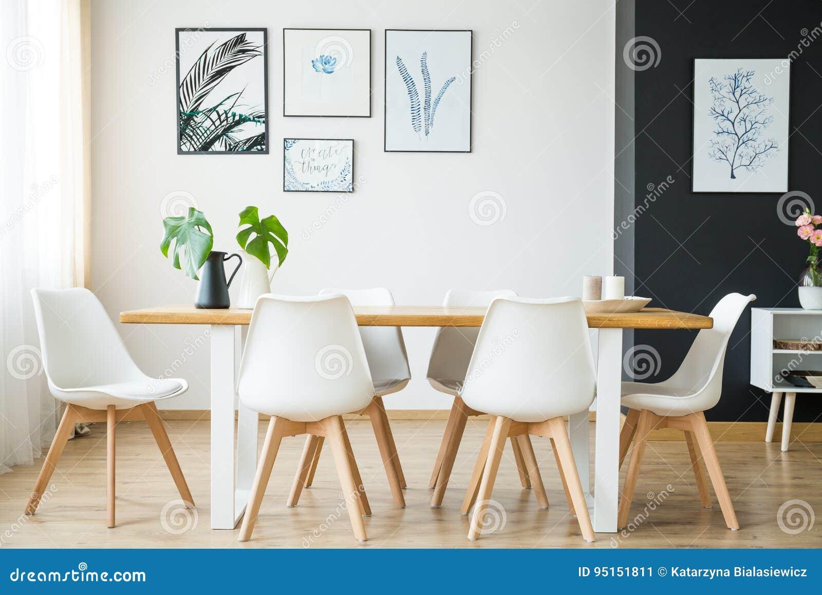 Sala de jantar brilhante