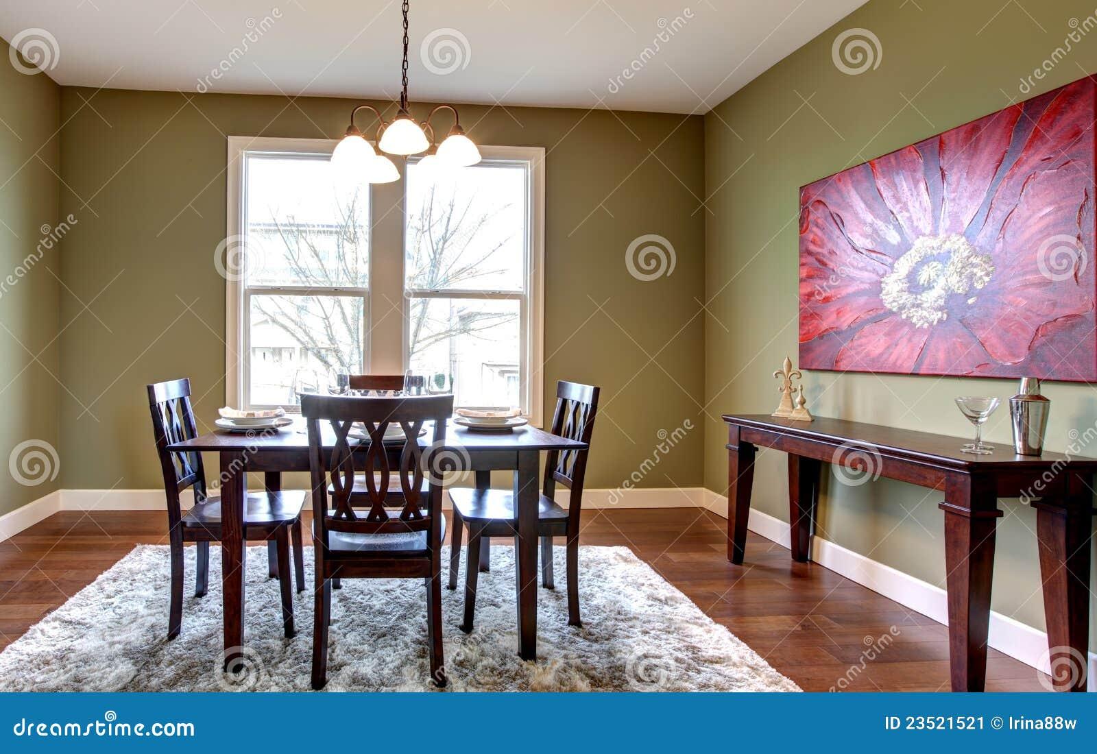 Sala De Jantar Com Paredes Verdes E Pintura Vermelha Imagem de Stock