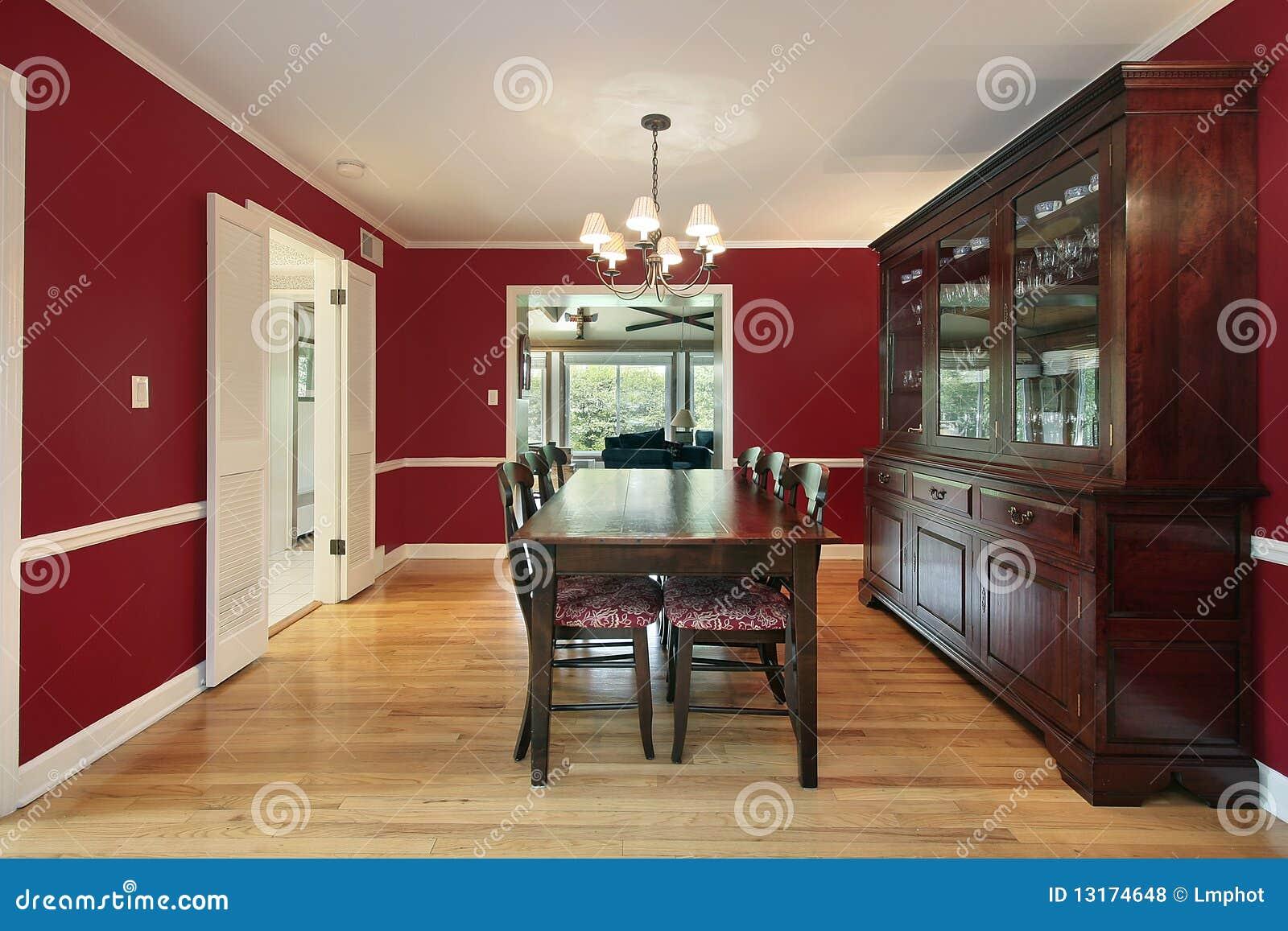 Sala de jantar com paredes vermelhas foto de stock - Pittura sala da pranzo ...