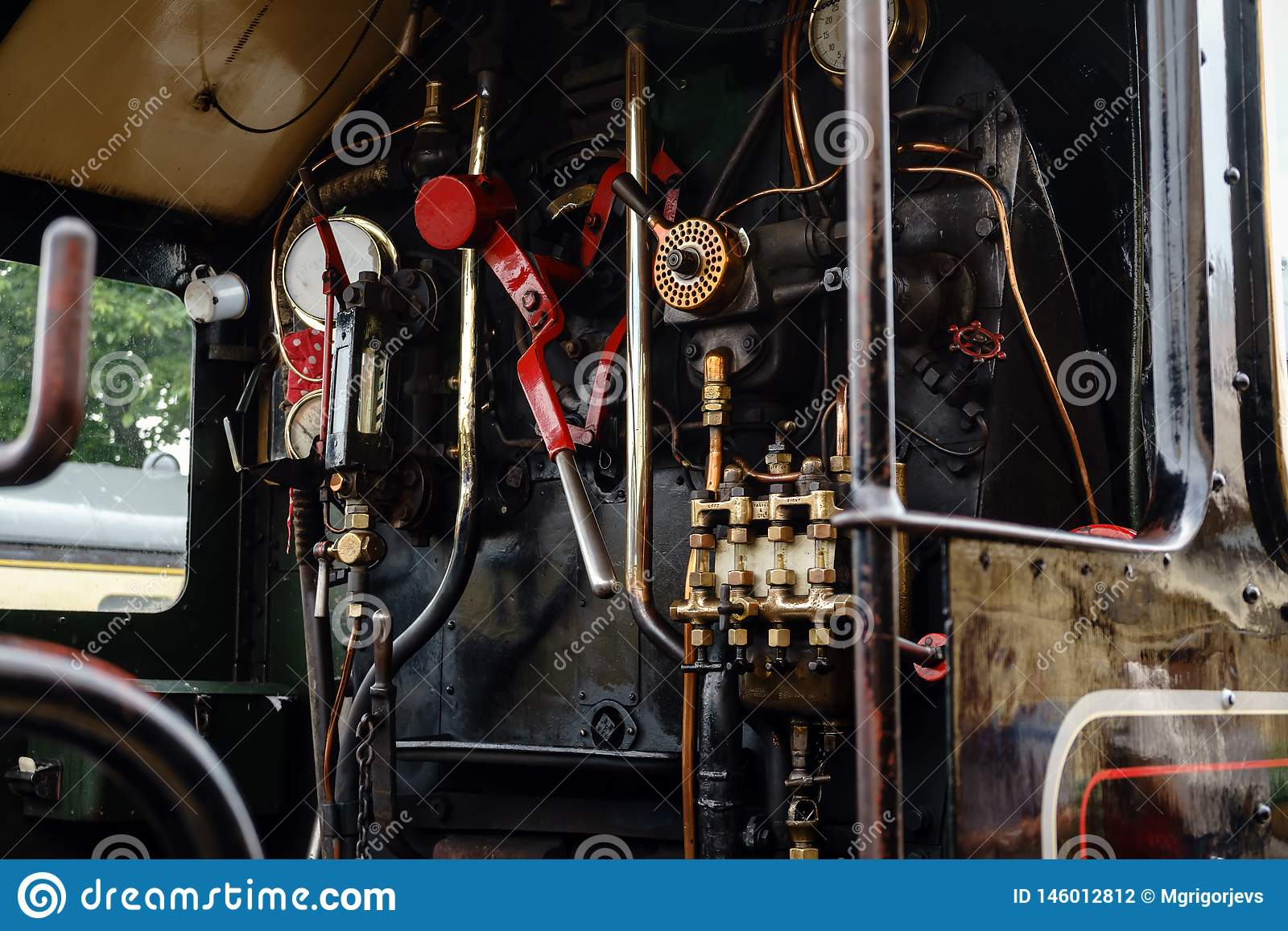 Sala de motor no trem do vapor, Dartmouth, Devon, Reino Unido, o 24 de maio de 2018