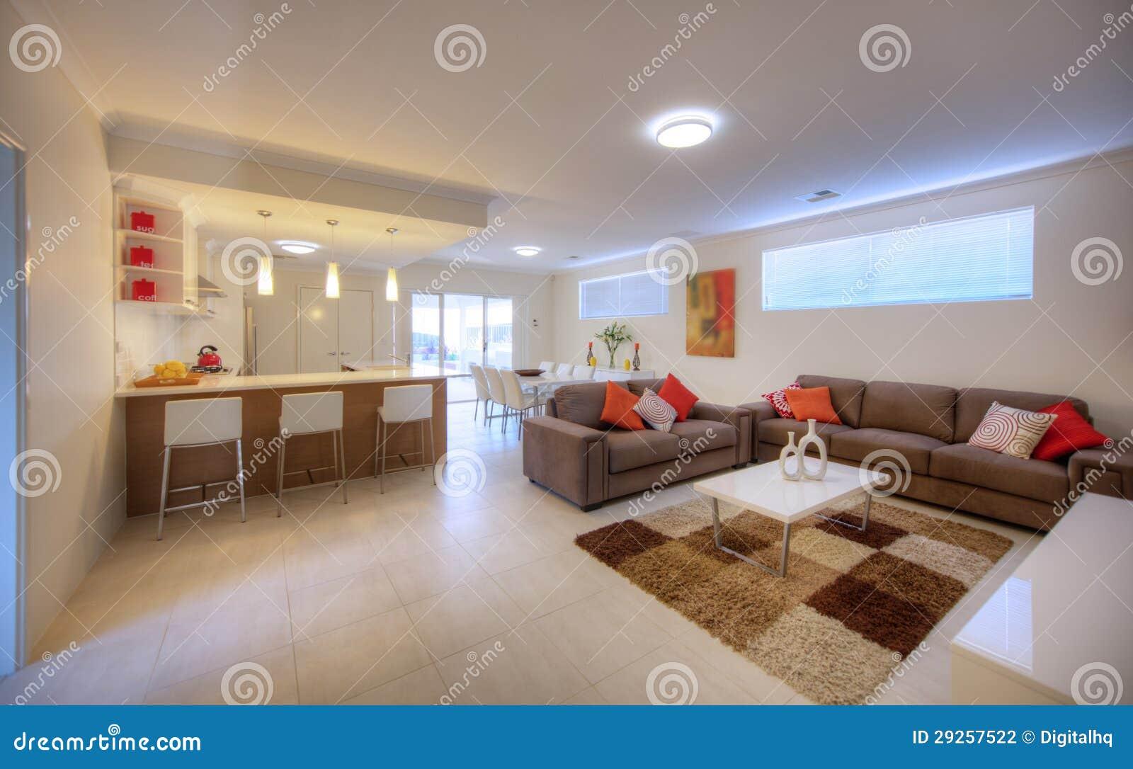 Sala De Estar Com Marrom ~ Grande sala de visitas da sala de estar com o sofá de couro marrom