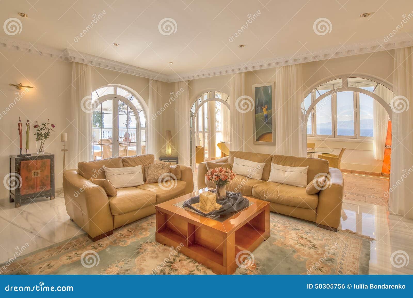 Sala de visitas na casa de campo moderna foto de stock for Decoration maison portugal