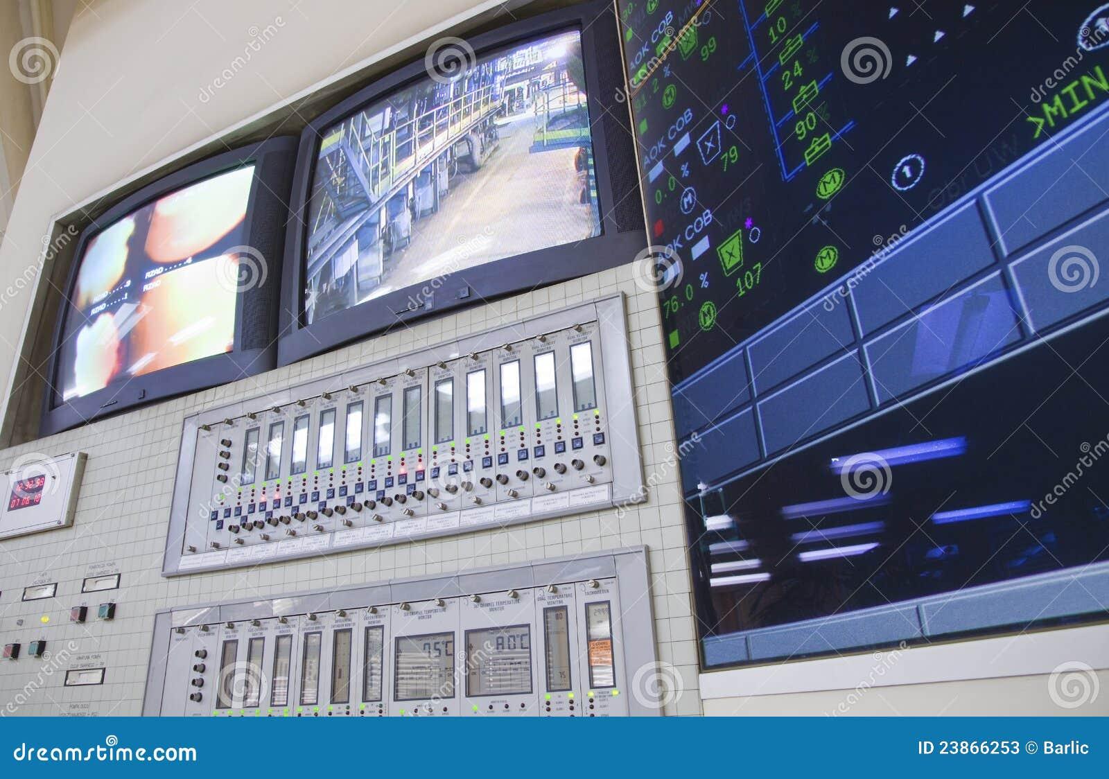 Sala di controllo - centrale elettrica