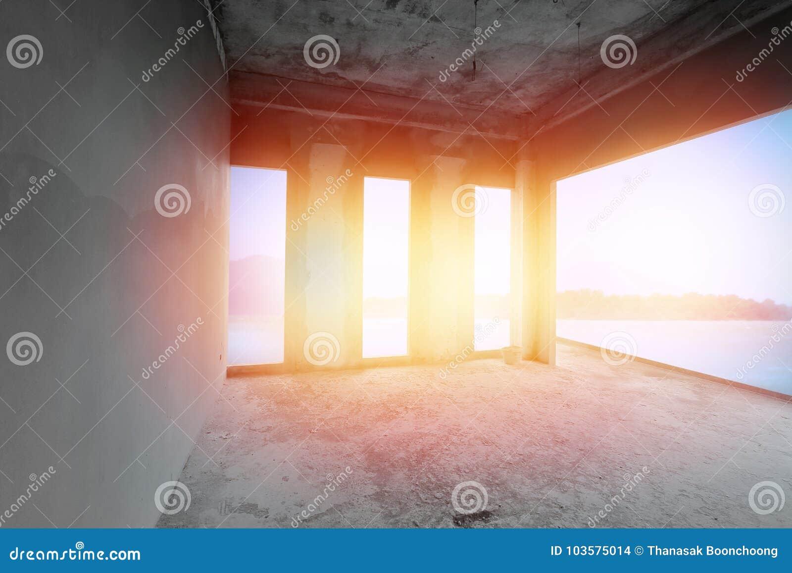 Sala inacabado da construção do beira-mar sob a construção