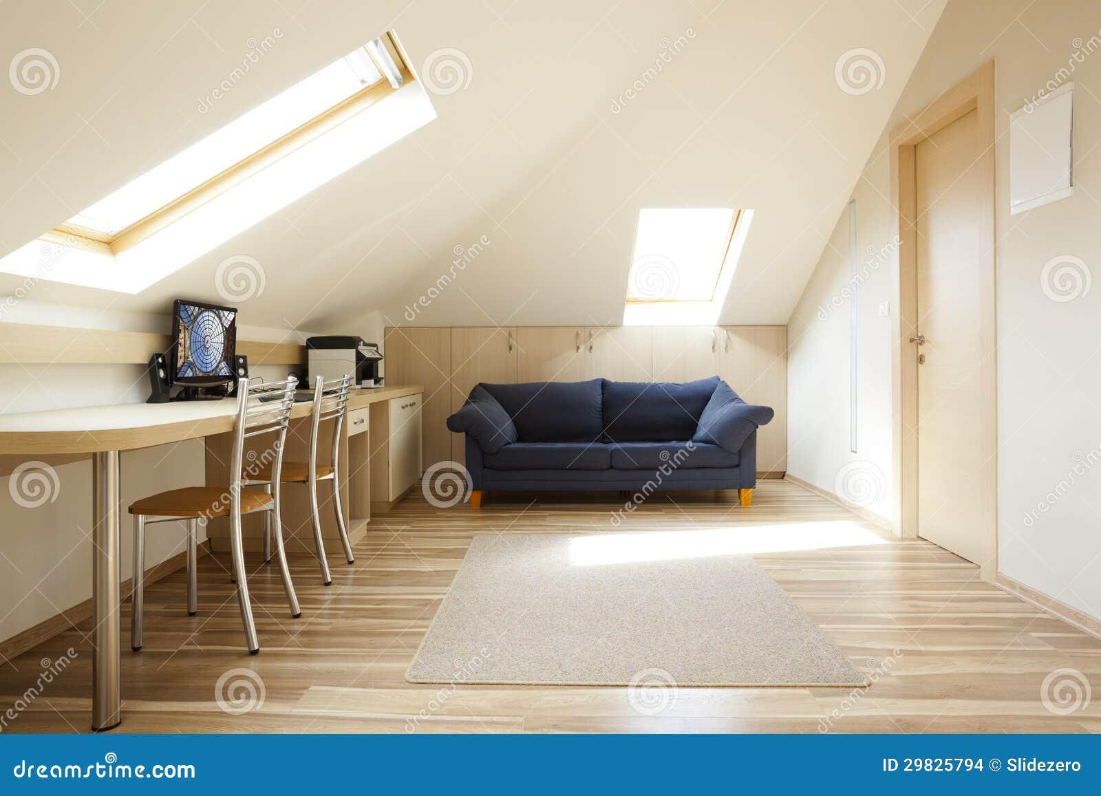 Download Sala da mansarda foto de stock. Imagem de architectural - 29825794