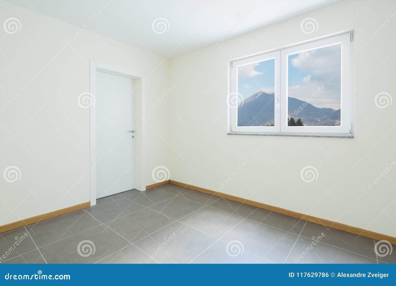 Sala nova, limpa e vazia apenas renovada