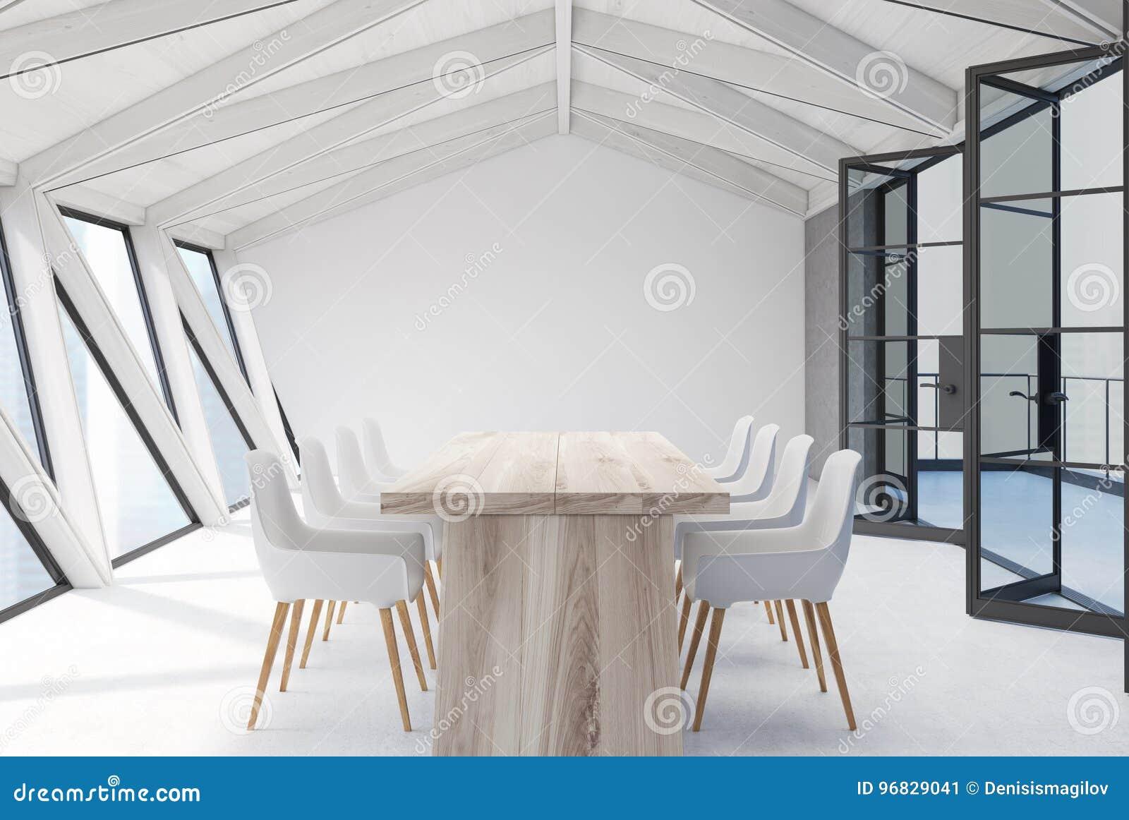 Soffitti In Legno Bianco : Sala riunioni della soffitta soffitto bianco tavola di legno