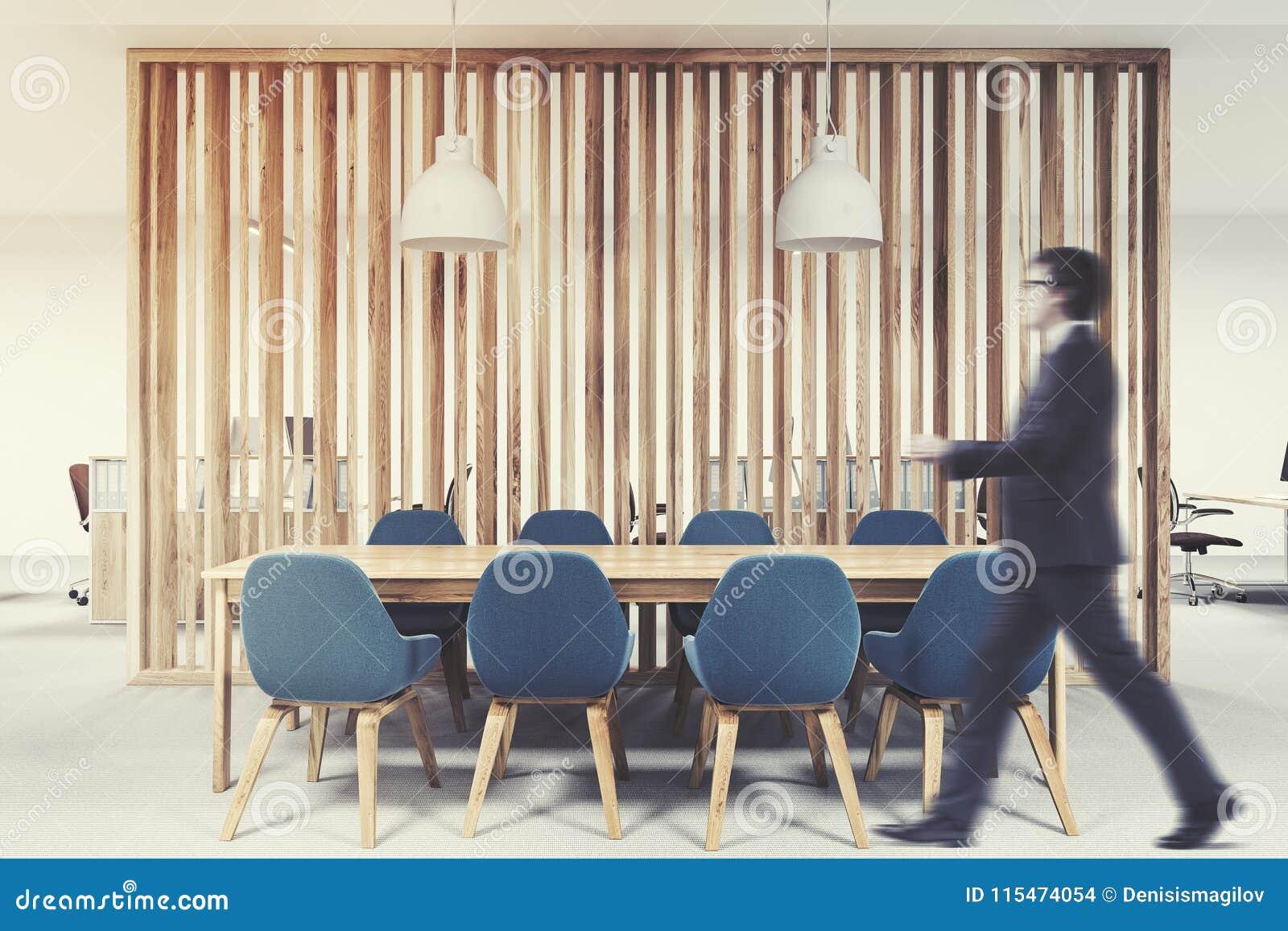 Sala riunioni di legno sedie blu uomo d affari fotografia stock