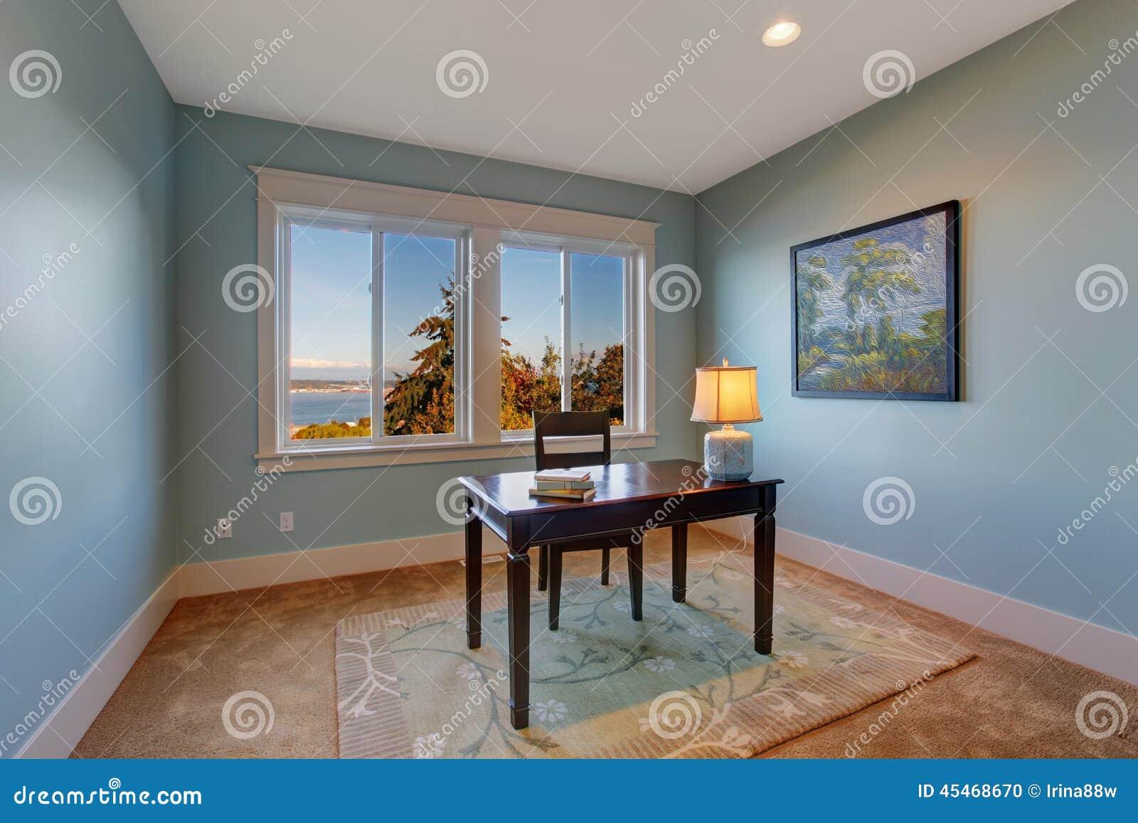 Sala Simples Do Escrit Rio Na Luz Cor Azul Foto De Stock Imagem  -> Sala Simples Marrom