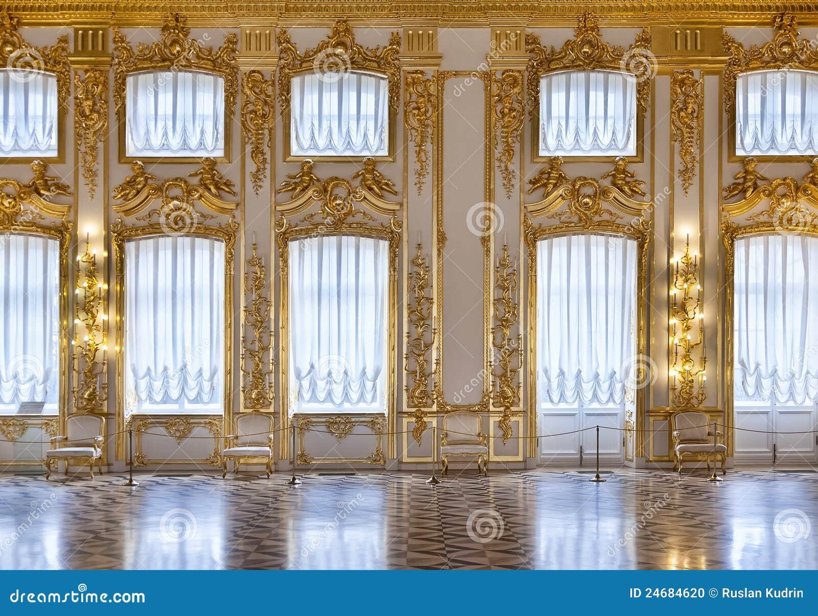 Sala złociści okno