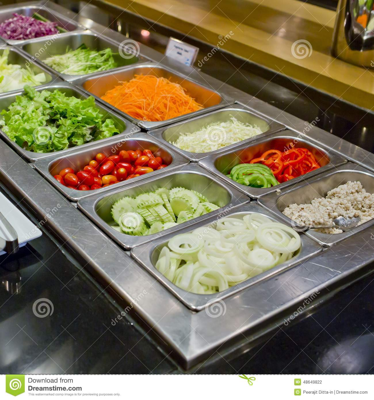 Salad bar with vegetables in the restaurant healthy food for Food bar in restaurant