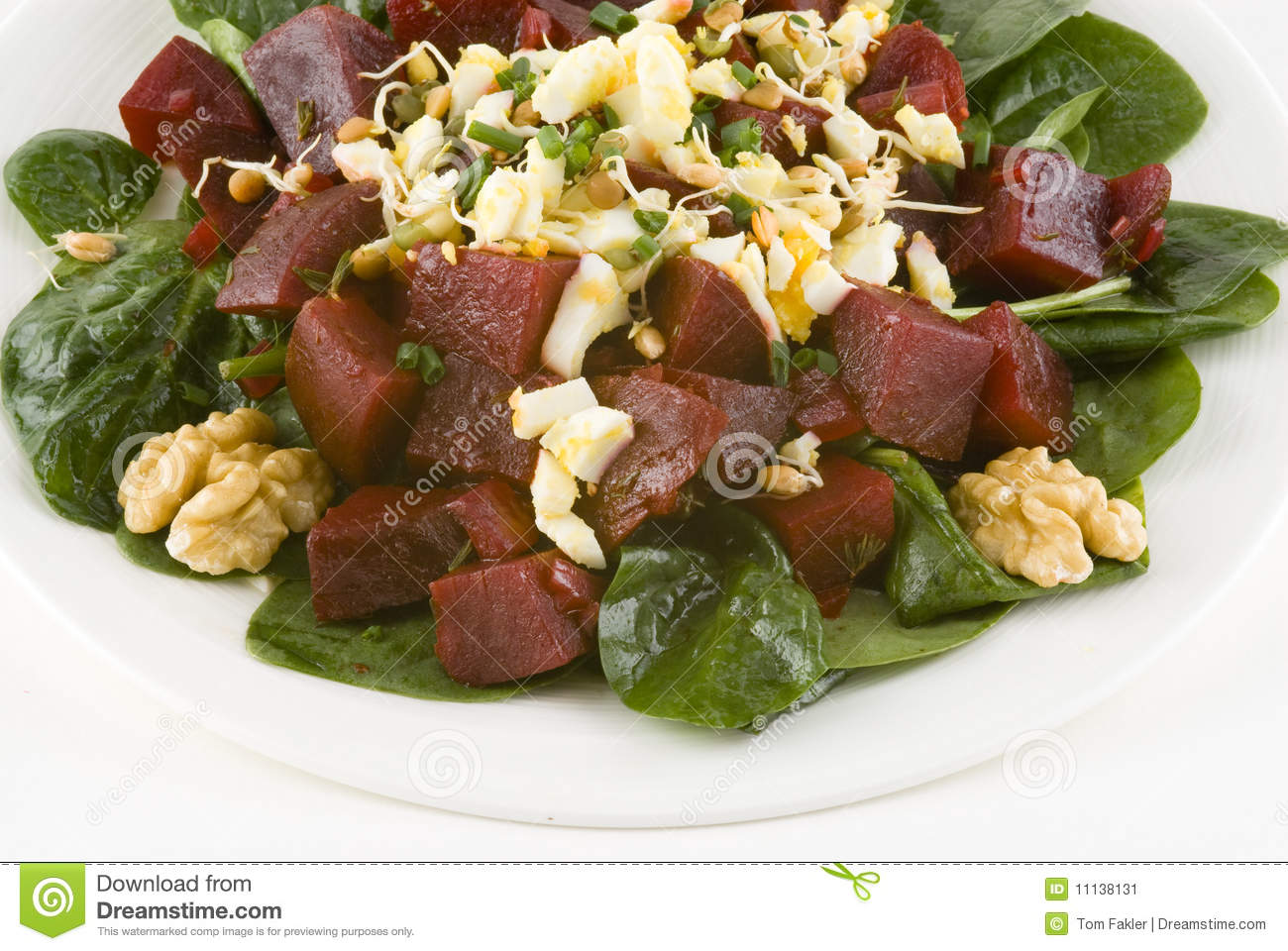 Salad With Beets On Spinach Stock Image - Image: 11138131
