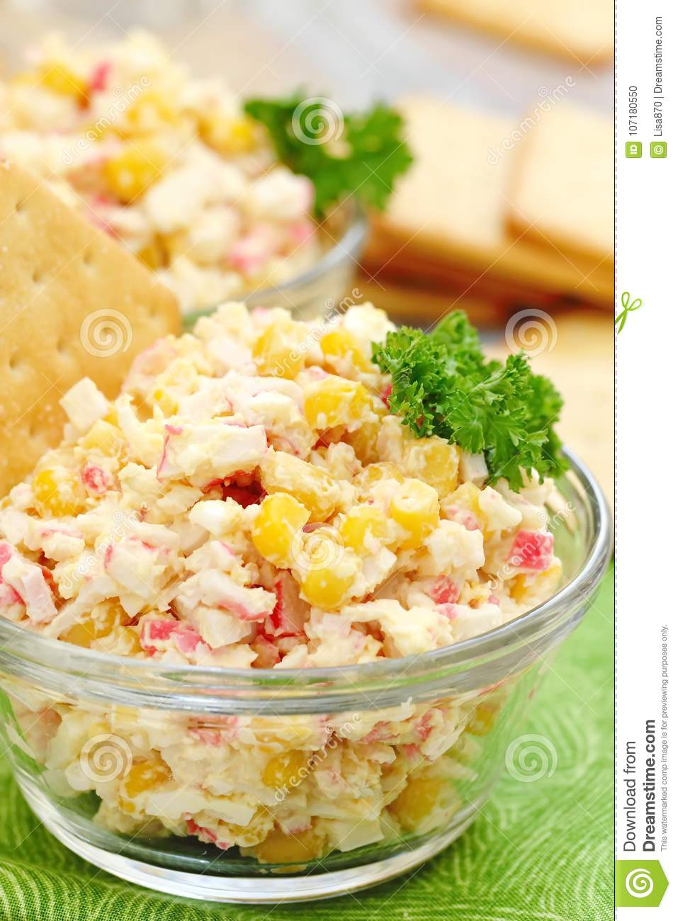 Classic salad of crab sticks. Crab sticks with an egg: a recipe 6