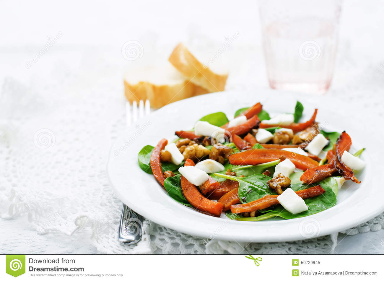 Salad With Spinach, Mozzarella, Walnuts And Caramelized Carrots Stock ...