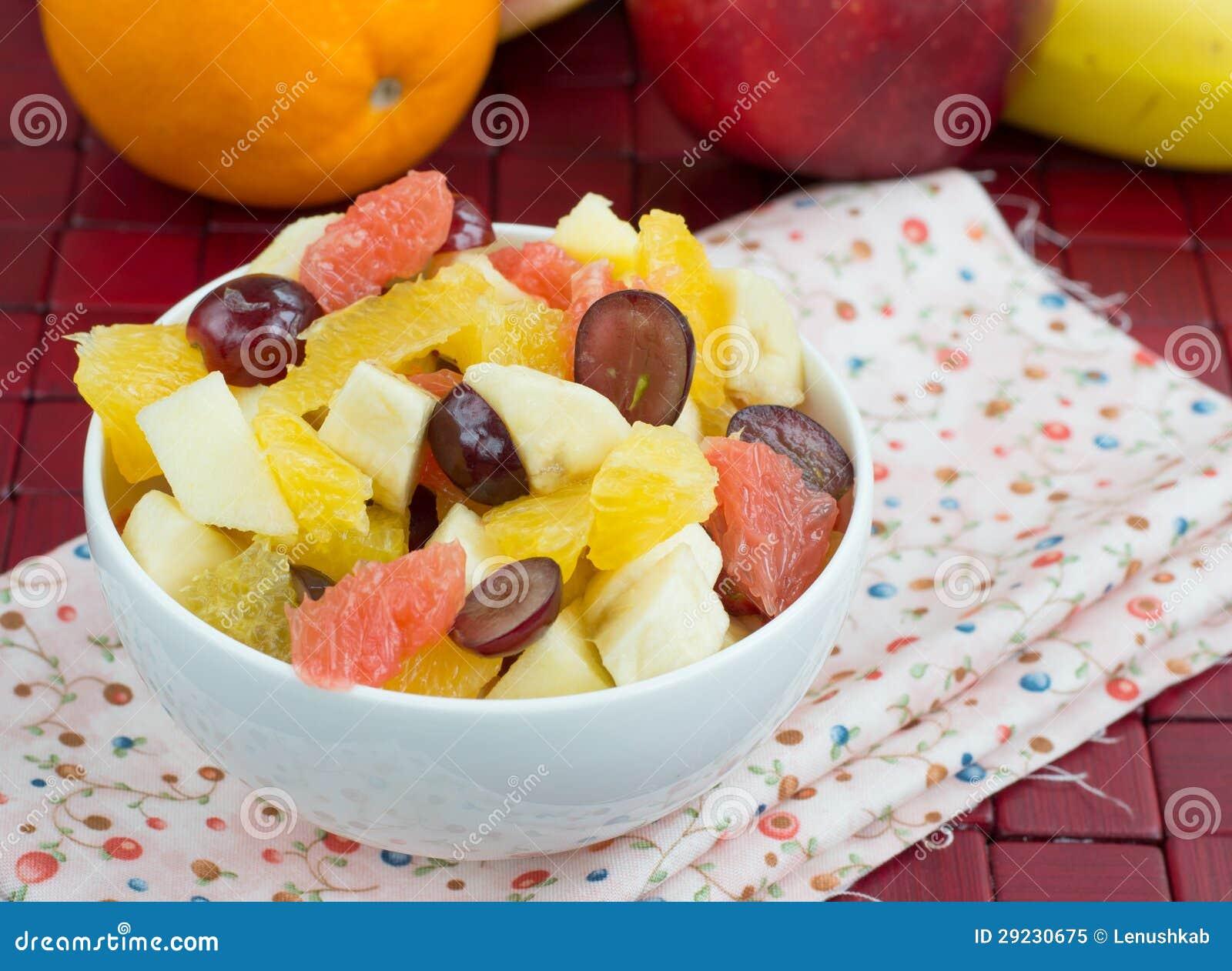 Download Salada De Fruto Da Banana, Da Laranja, Das Uvas E Das Maçãs Imagem de Stock - Imagem de ninguém, uvas: 29230675