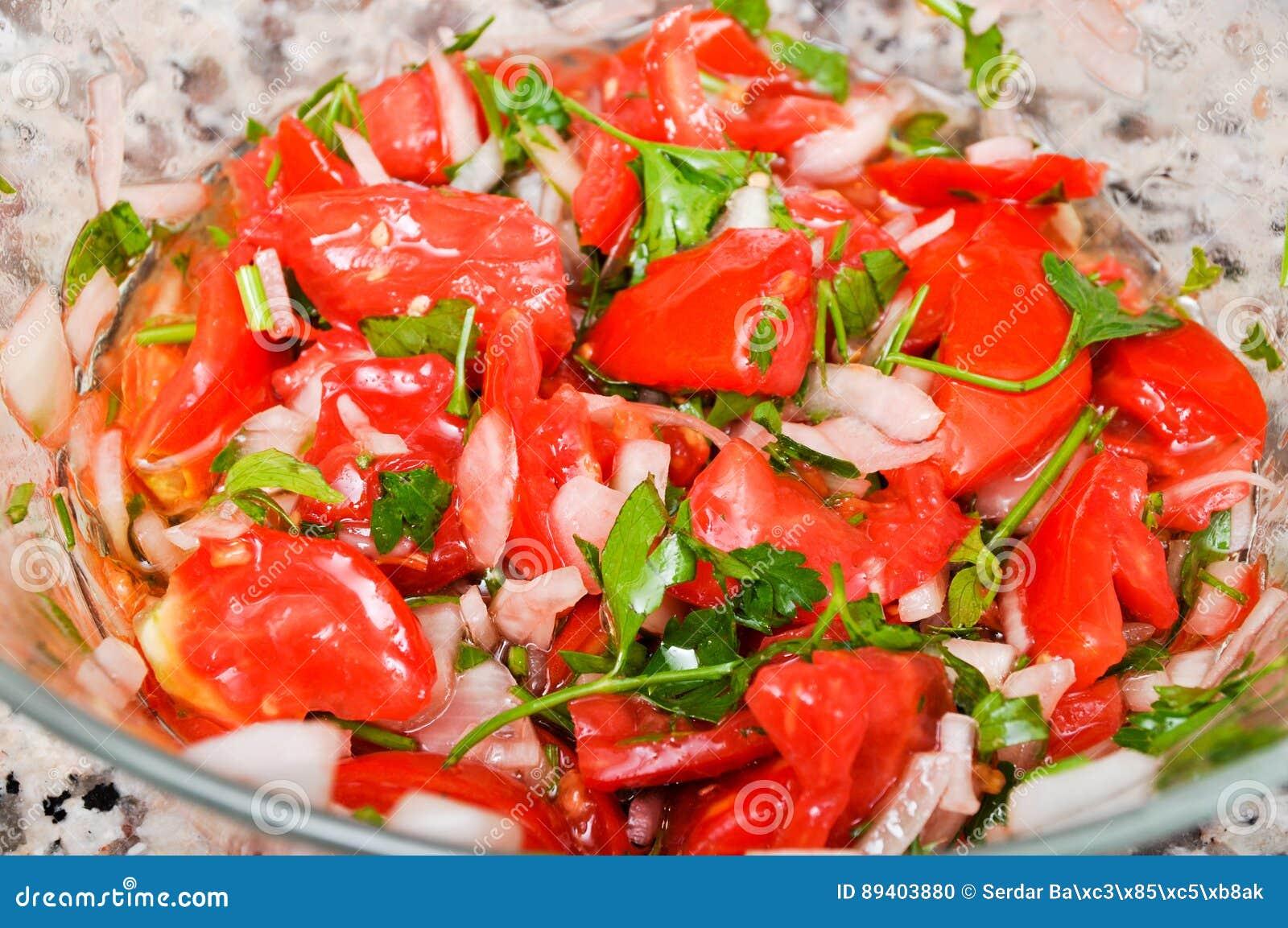 Salada deliciosa do tomate