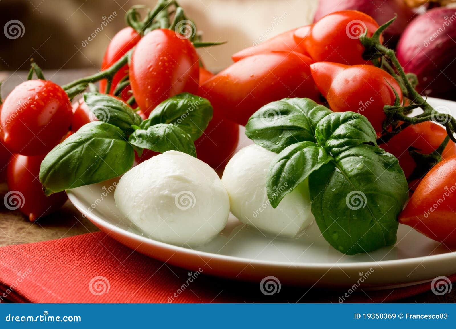 Salada do Mozzarella de Tomatoe