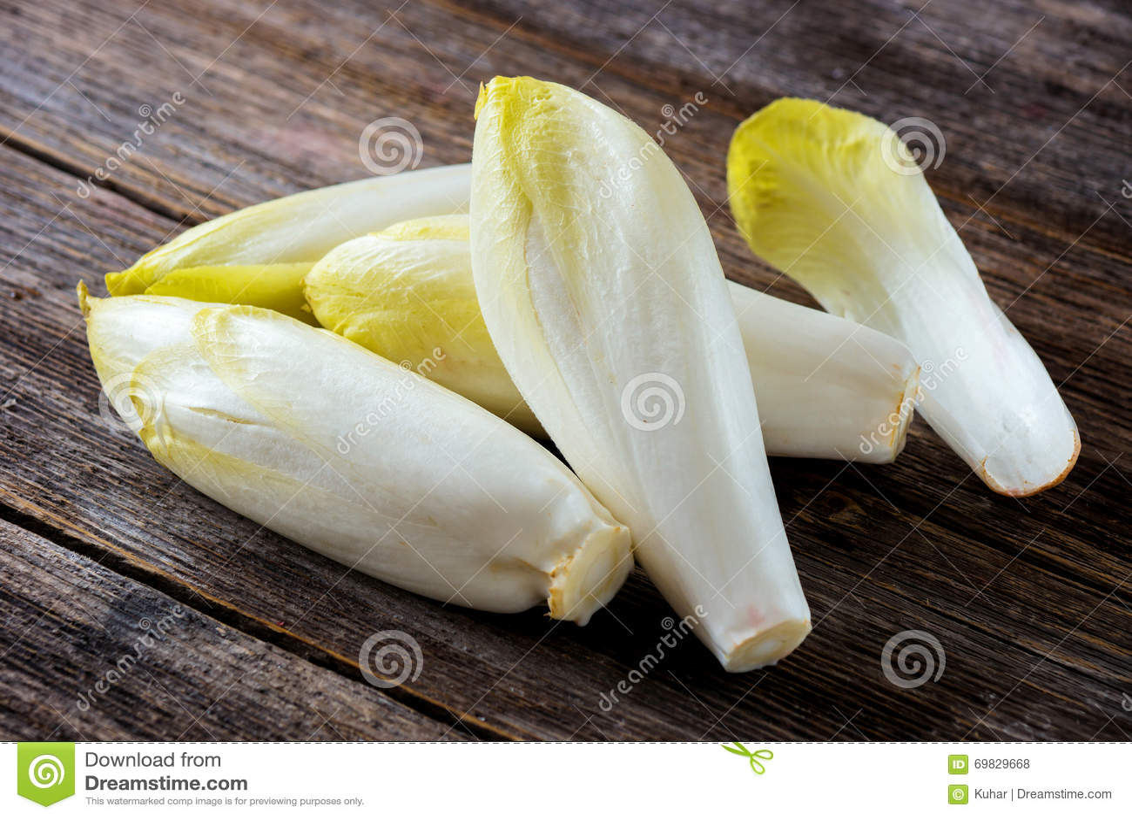 Salada fresca da chicória