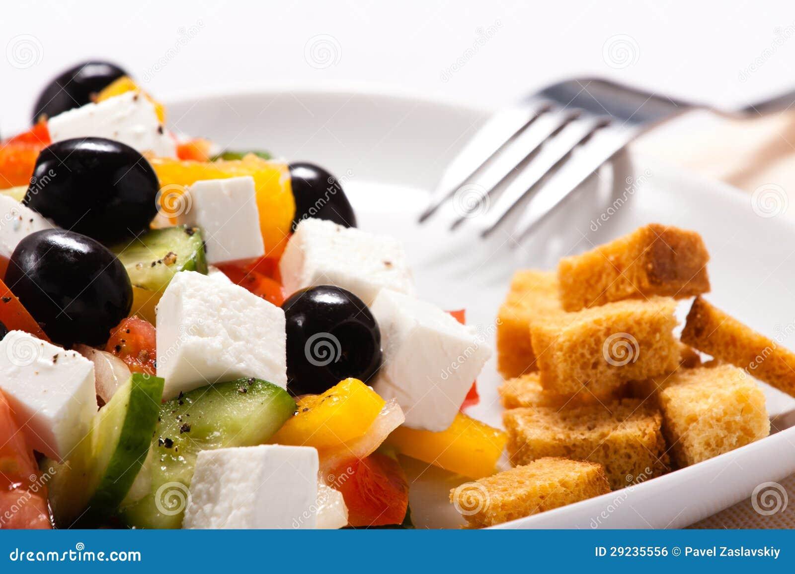 Download A Salada Grega Com Fritos De Pão Foto de Stock - Imagem de óleo, vermelho: 29235556