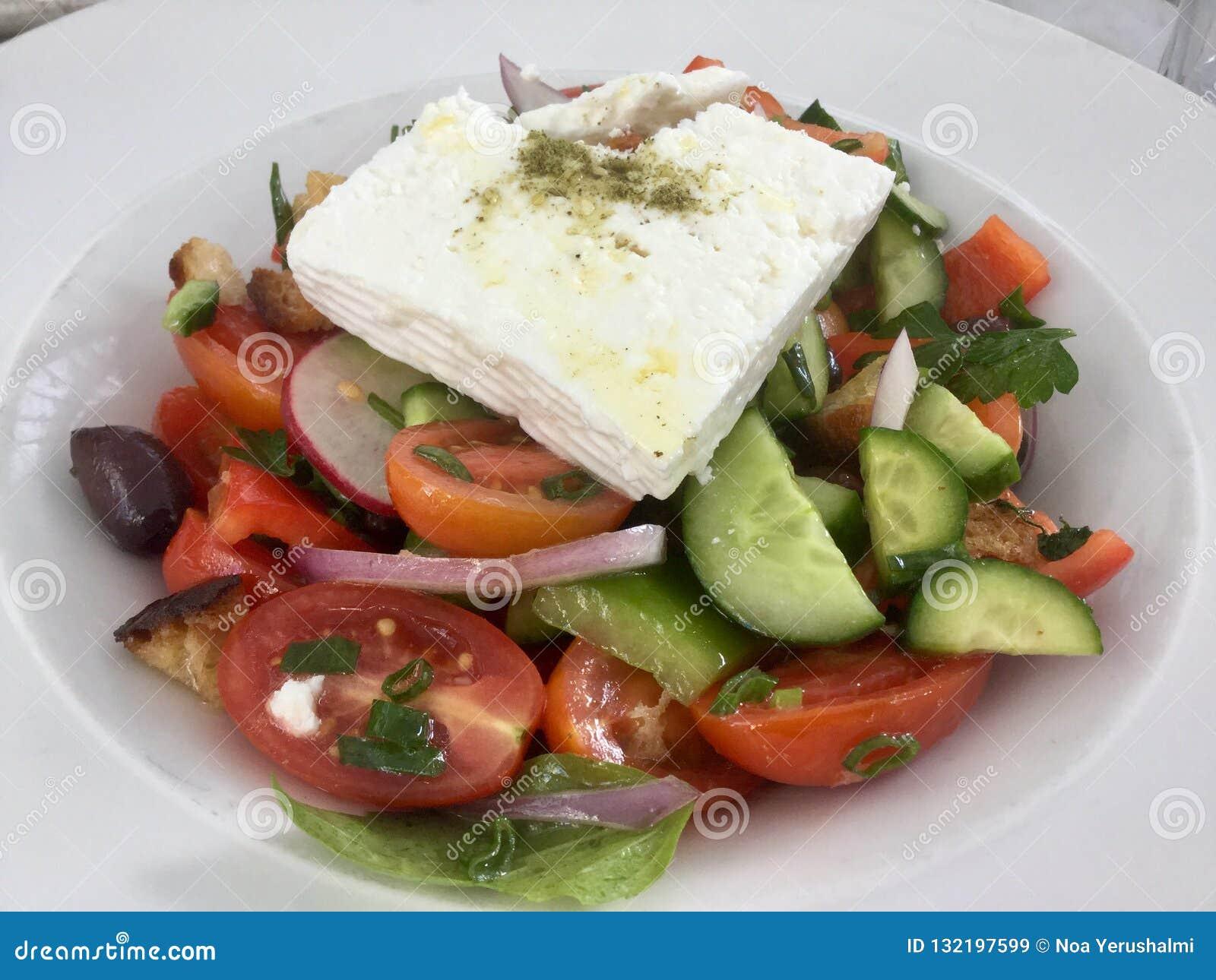 Salada grega fresca Refeição do vegetariano Alimento saudável