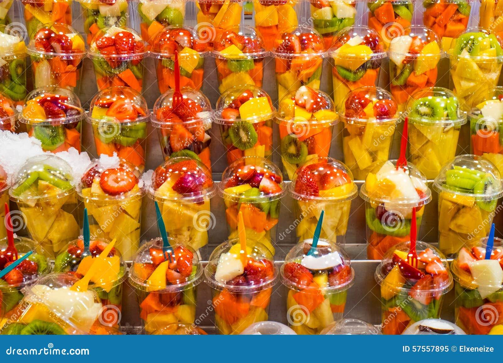 La vendedora de frutas maacutes rica del mundo ver video completo aqui httplopoteamcom3fnr - 2 10