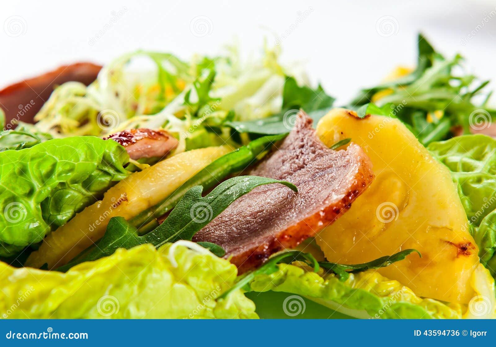 salade avec l 39 ananas et la viande fum e photo stock image 43594736. Black Bedroom Furniture Sets. Home Design Ideas