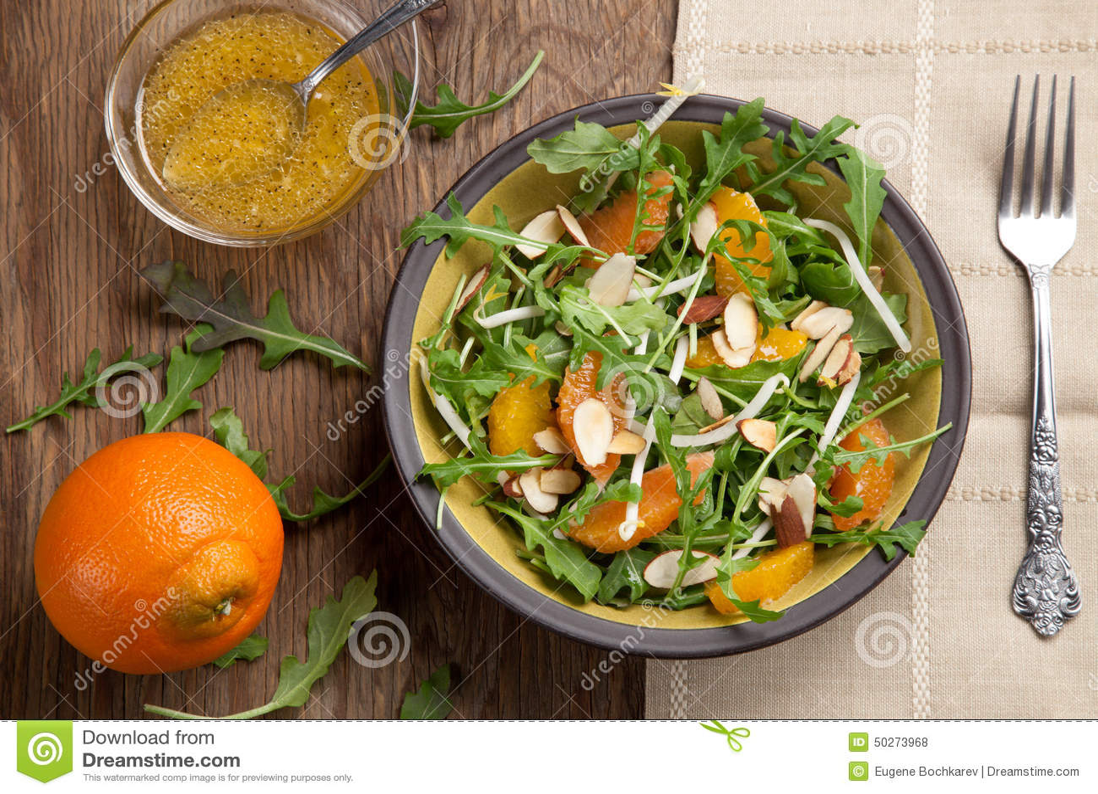 Salade d Arugula avec le Vinaigrette de mandarine
