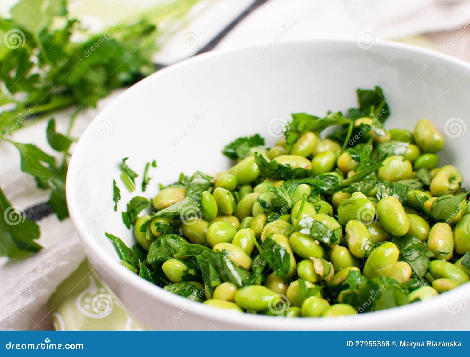 salade d 39 haricots de soja d 39 edamame avec le persil photo stock image du closeup nourriture. Black Bedroom Furniture Sets. Home Design Ideas