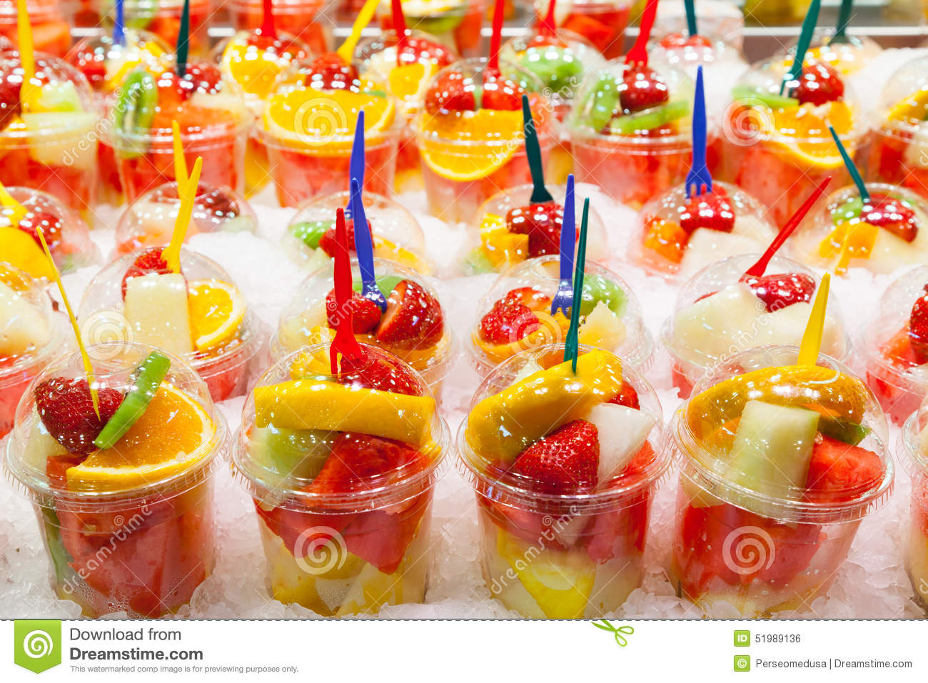 Salade de fruits photo stock image 51989136 for Decoration salade de fruits