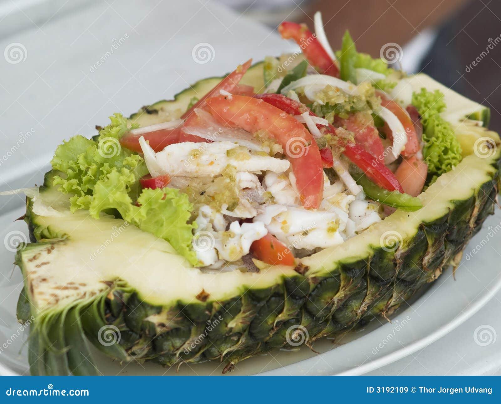 salade de fruits de mer et ananas