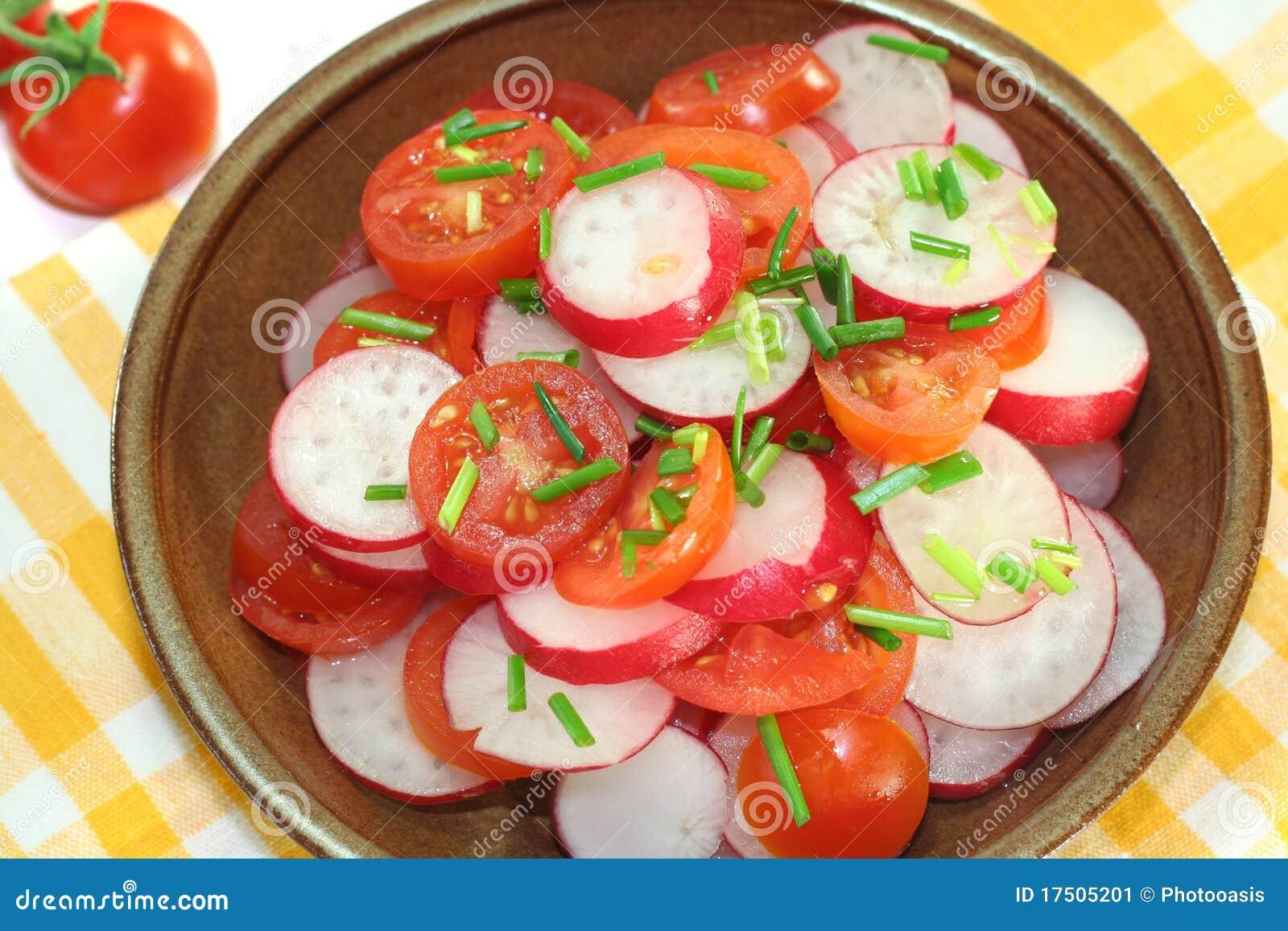 salade de radis et de tomate image stock image 17505201. Black Bedroom Furniture Sets. Home Design Ideas