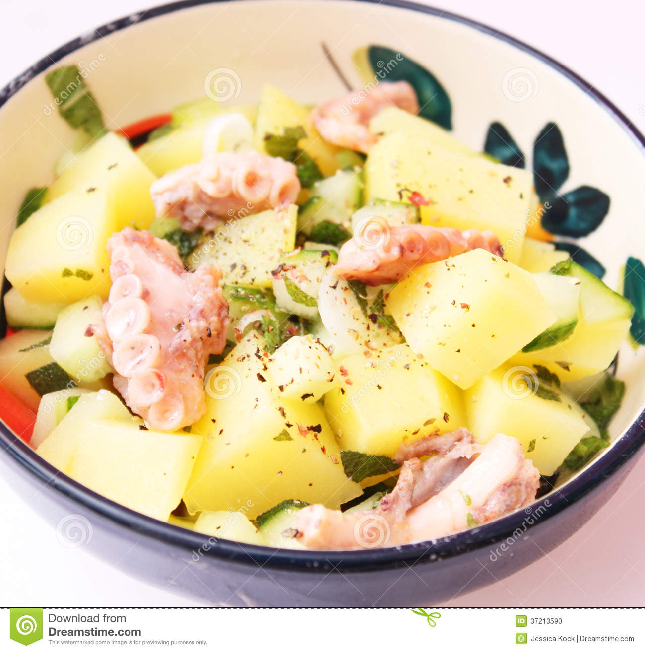 salade des pommes de terre avec le poulpe photo stock image du cro te seafood 37213590. Black Bedroom Furniture Sets. Home Design Ideas