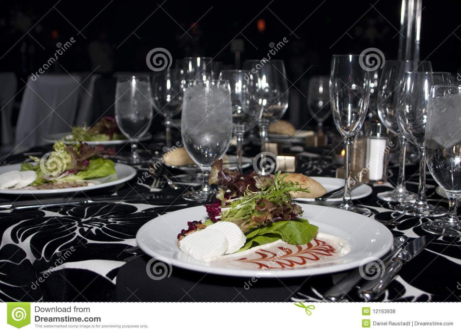 Salade dinante fine de dîner de restaurant