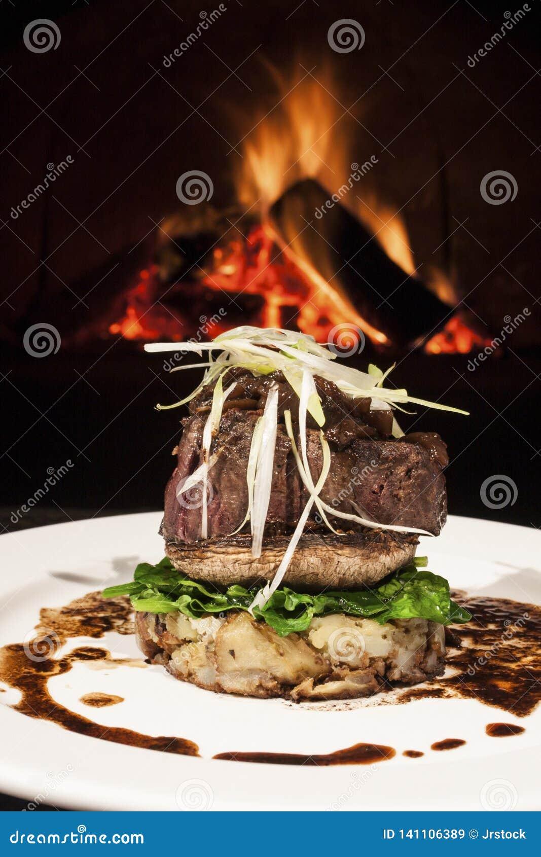 Salade en beaf gemengde hete hamburger