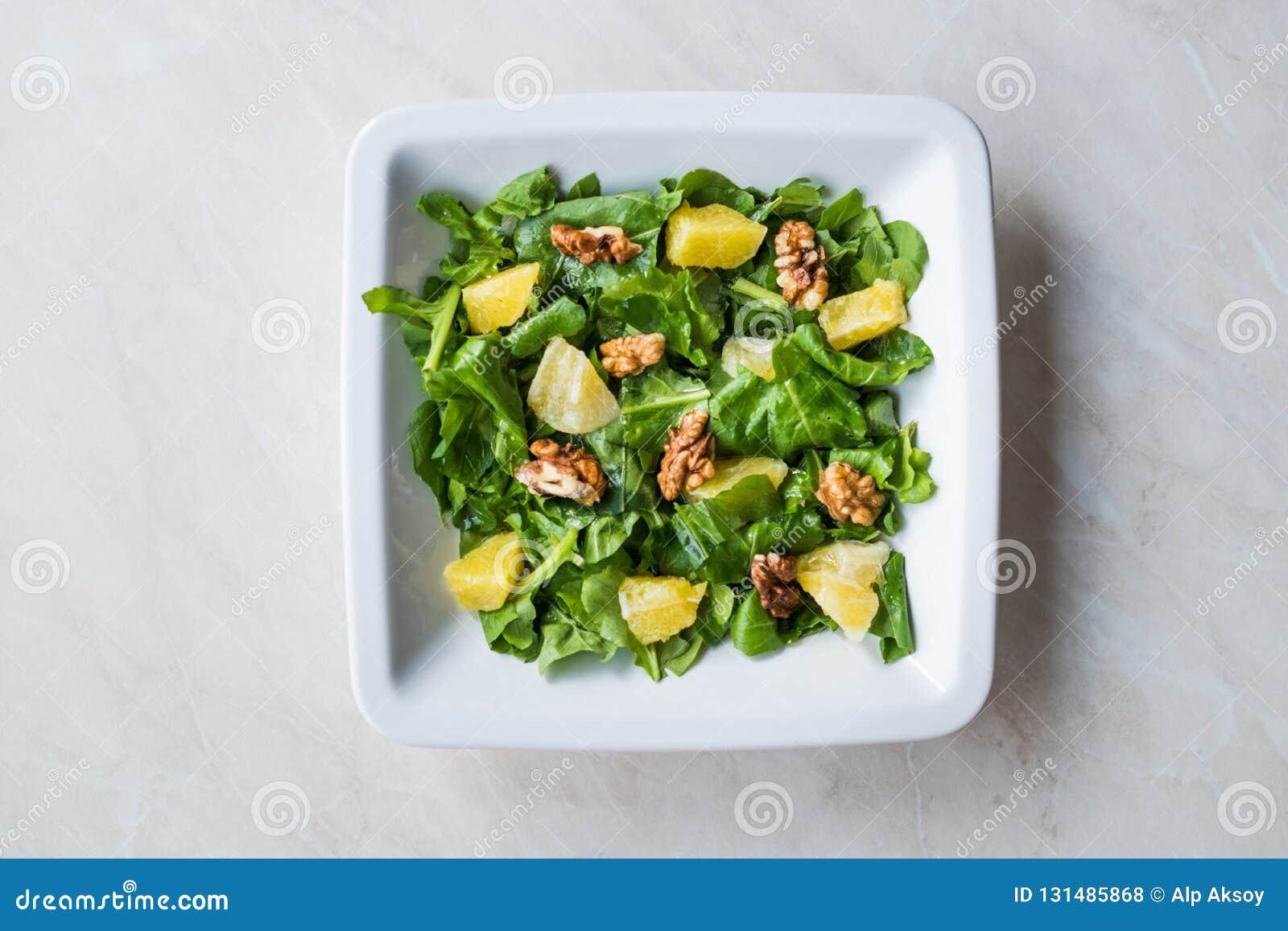 Salade met Rocket Leaves, Sinaasappel en Okkernoten/Arugula of Rucola