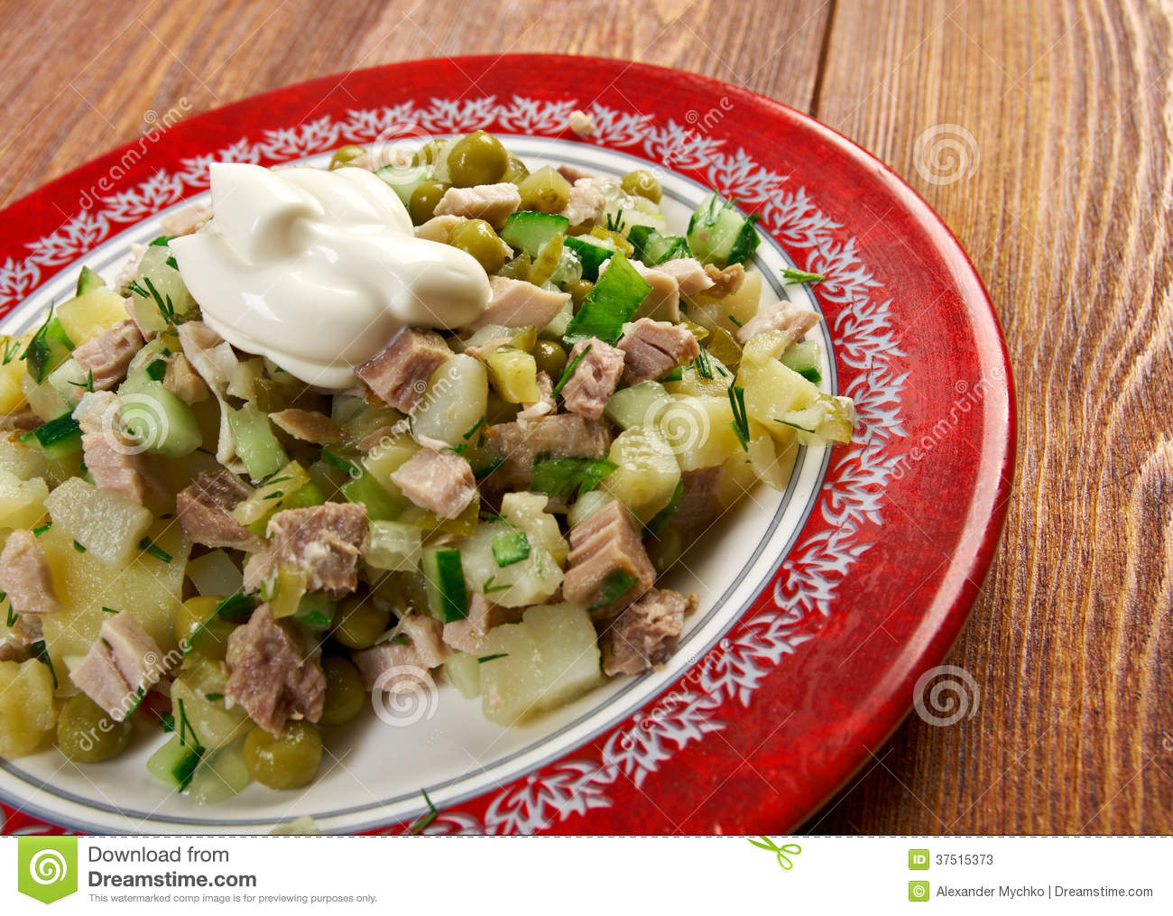 Salade traditionnelle russe olivier photos stock image - Cuisine traditionnelle russe ...