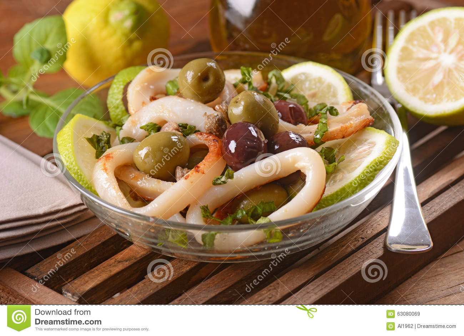 Download Salade Végétale Avec Le Calmar Image stock - Image du légume, croûte: 63080069