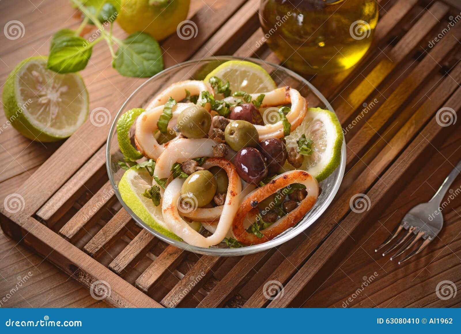 Download Salade Végétale Avec Le Calmar Photo stock - Image du citron, nutrition: 63080410
