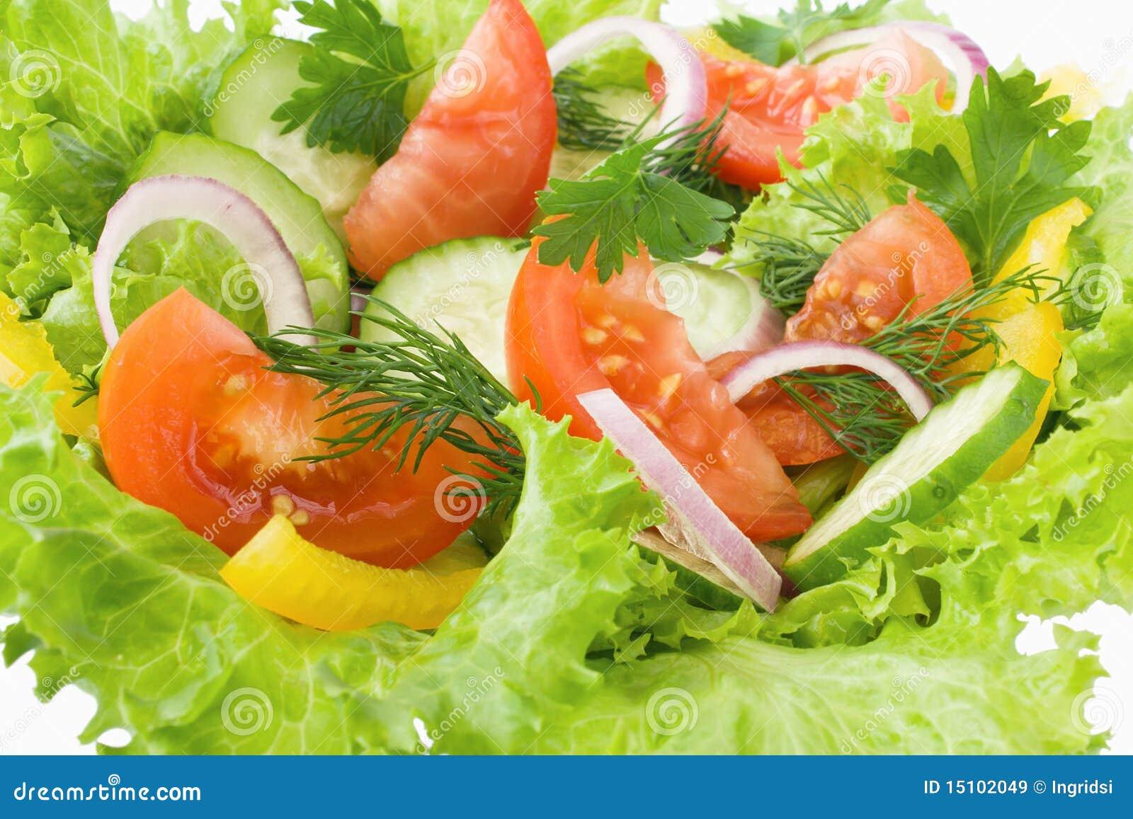 Salade van tomaat, komkommer en sla