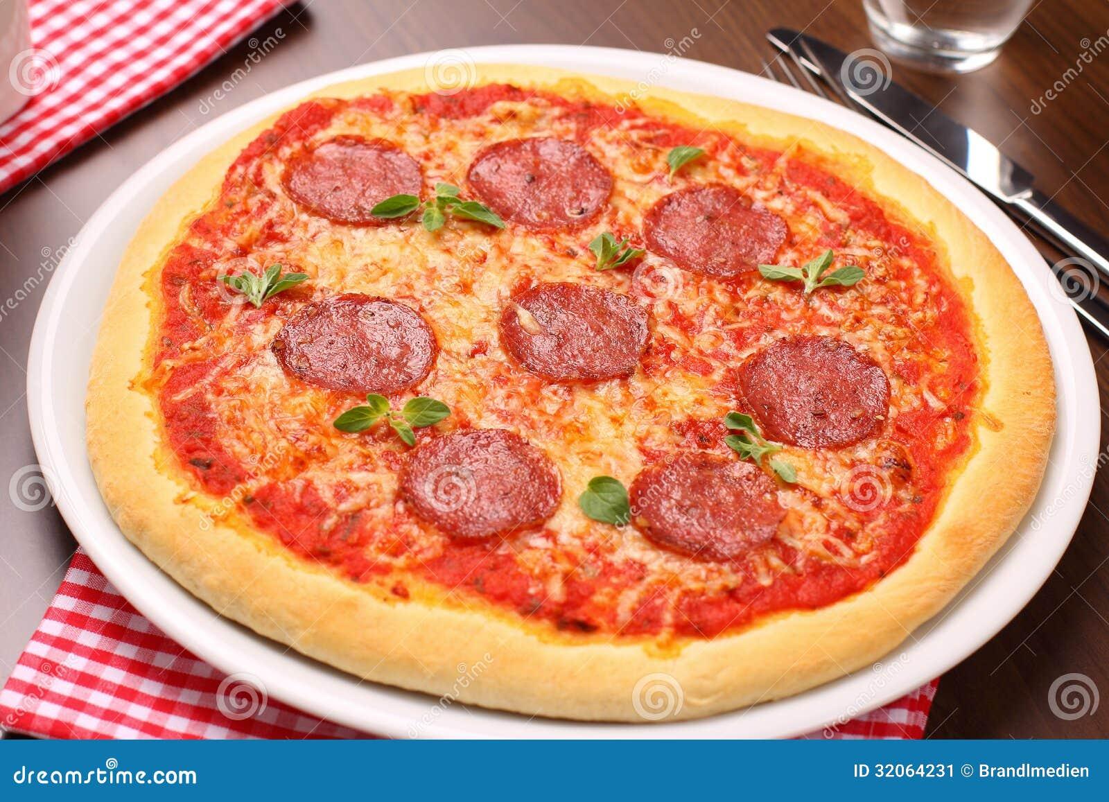 Salami Pizza Stock Image - Image: 32064231