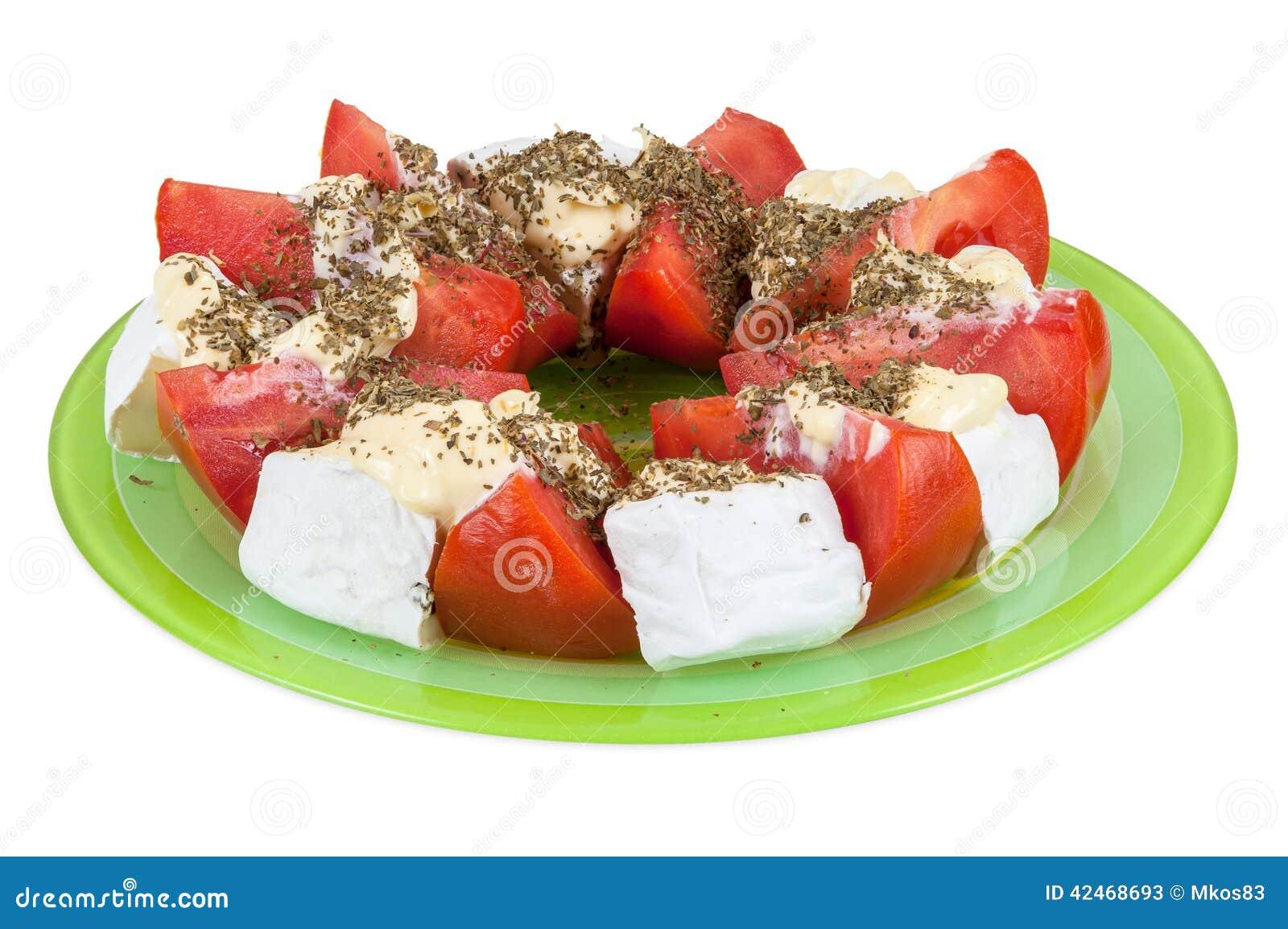 Salat mit Tomaten und Blauschimmelkäse