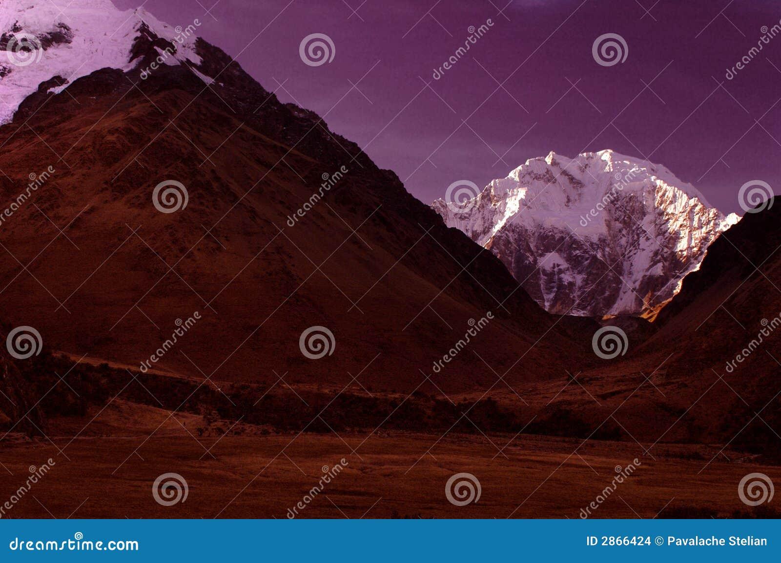 Salcanty σκηνή νύχτας βουνών