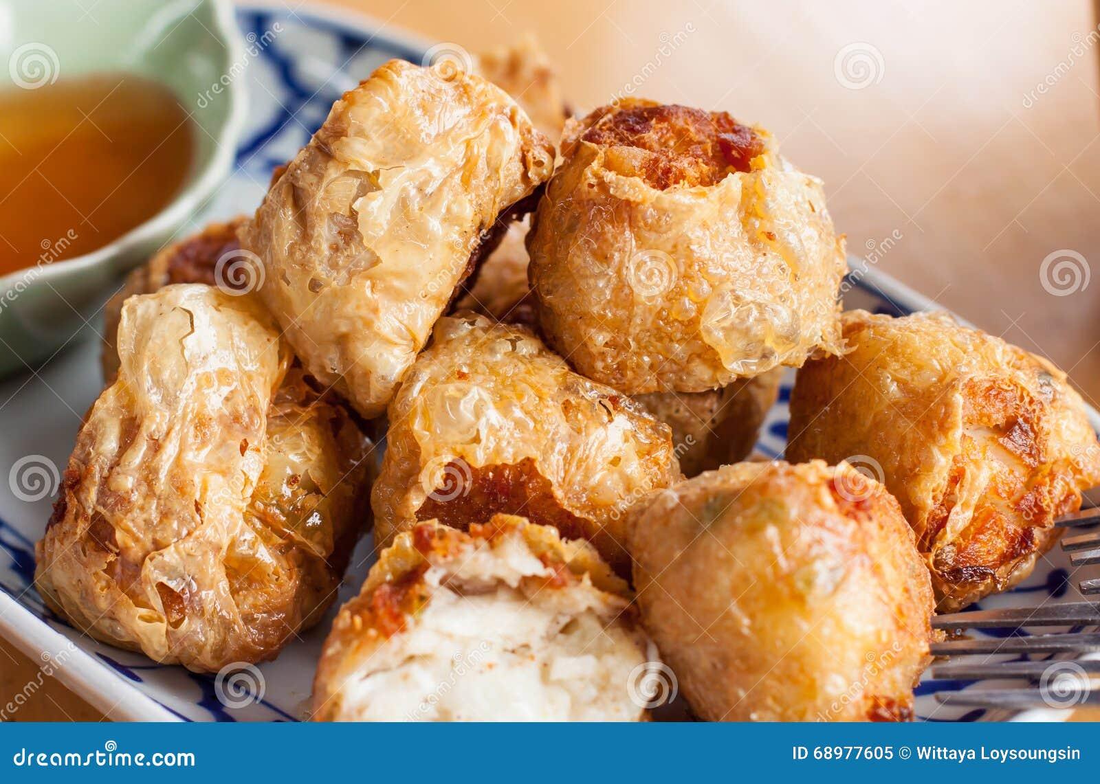 Salchicha frita de la carne de cangrejo