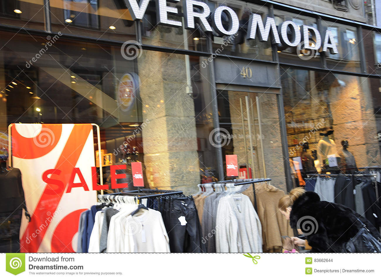 hot sale online cf18a 1f626 Sale at vero moda store editorial stock image. Image of ...