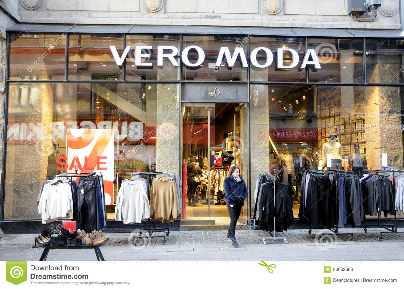 meet 51535 d8109 Sale at vero moda store editorial photo. Image of editorial ...
