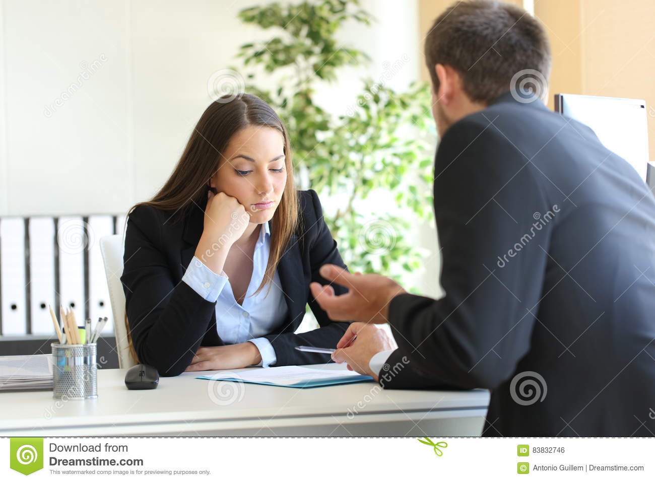 Salesman trying to convince to a bored client