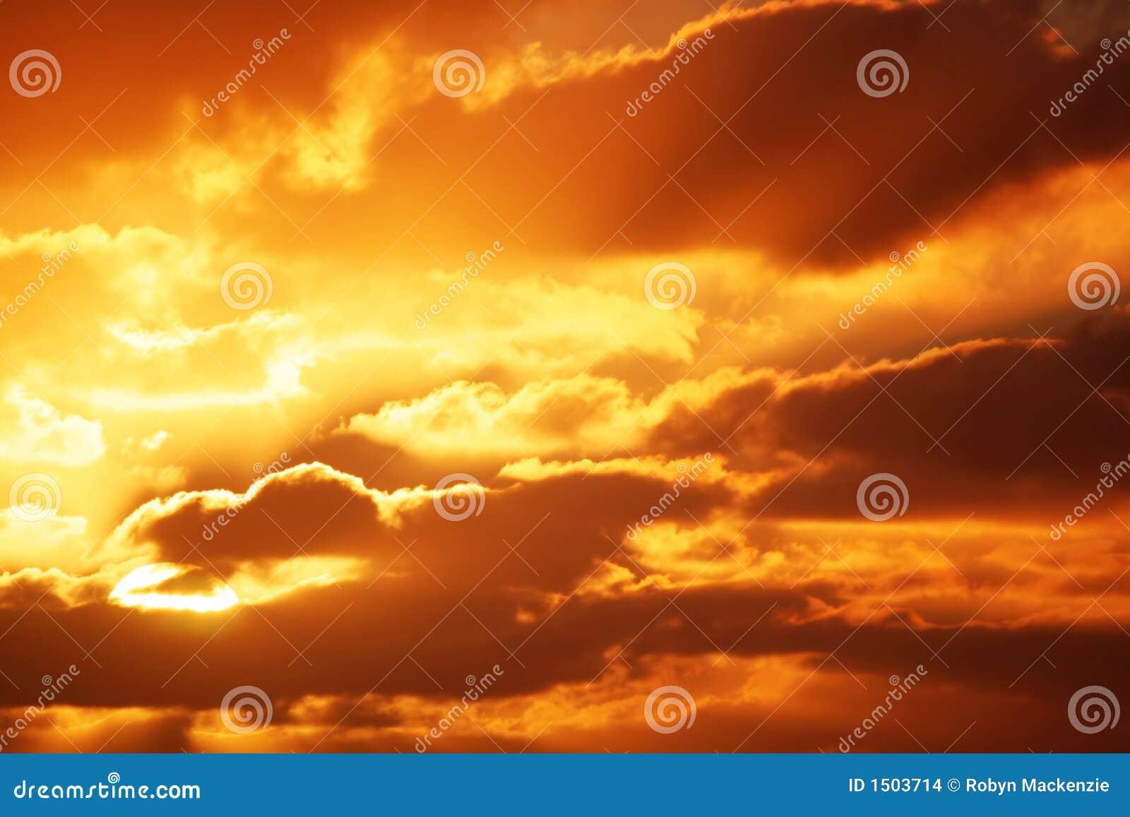Salida del sol Cloudscape