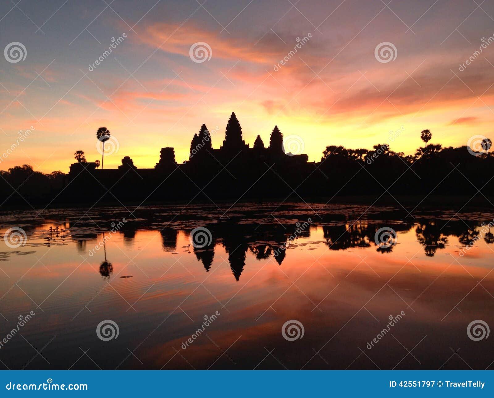 Salida del sol de Angkor Wat