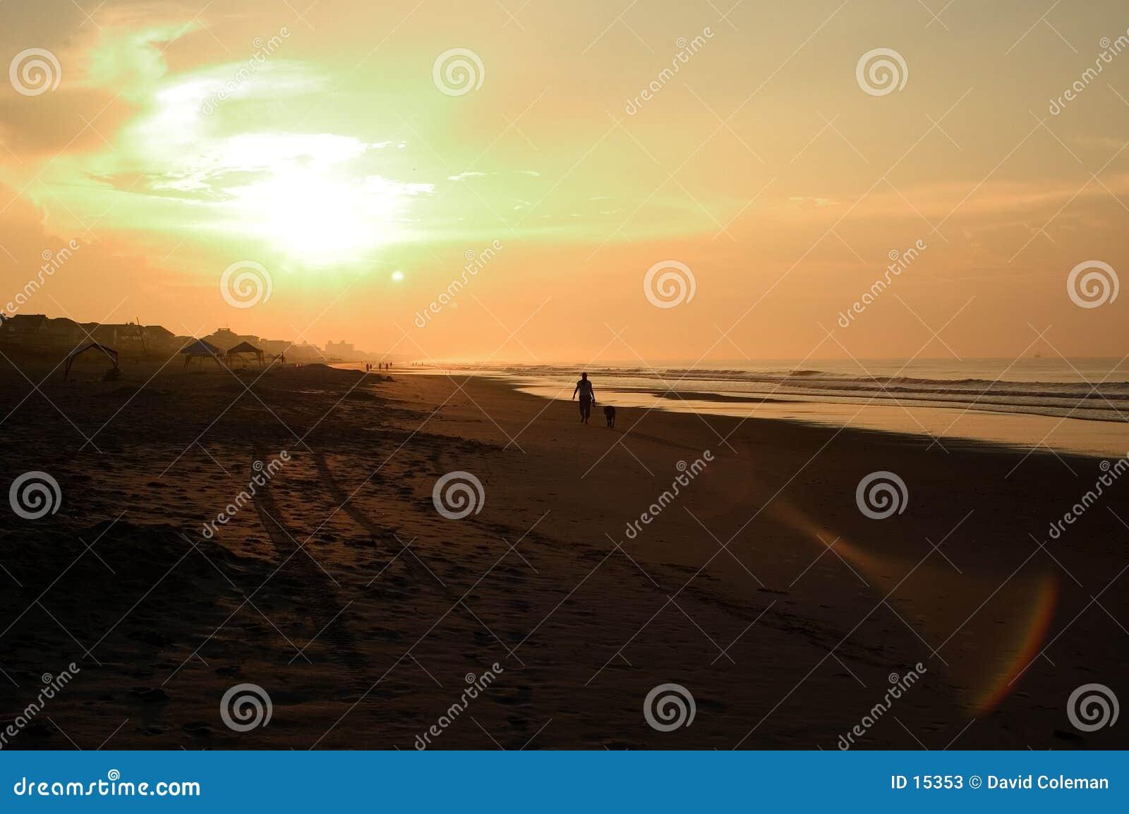 Salida del sol de la playa, Carolina del Norte
